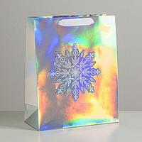 Пакет голографический вертикальный 'Снежинка', 26 x 32 x 12 см