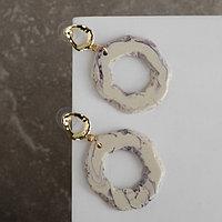 Серьги ассорти 'Натурэль' акварель кольца, цвет бело-фиолетовый в золоте