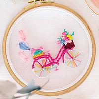 Вышивка на пяльцах 'Розовый велосипед'. Набор для творчества