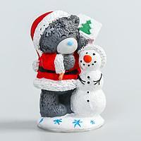 Сувенир полистоун 'Медвежонок Me to you новогодний в колпаке и шубе со снеговиком' 4,5 см