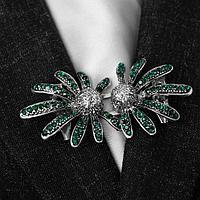 Зажим для кардигана 'Цветы' ромашки, цвет зелёный в чернёном серебре