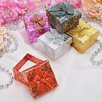 Коробочка подарочная под кольцо 'Розы блестящие' с бантом 4,7*4,7 (размер полезной части 4,4х4,4см), цвет