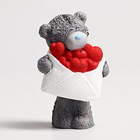Сувенир полистоун 'Медвежонок Me to you с конвертом сердец' 6,5х7 см
