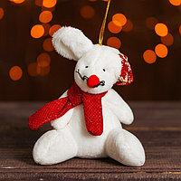 Подвеска 'Белый мышонок в колпаке и шарфе', цвета МИКС