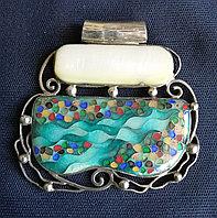 Серебряный кулон с эмалью и полудрагоценным камнем, ручная работа грузинского мастера
