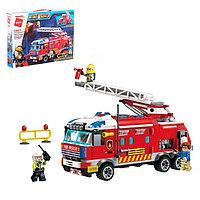 Конструктор 'Пожарная машина', 3 минифигуры, 366 деталей