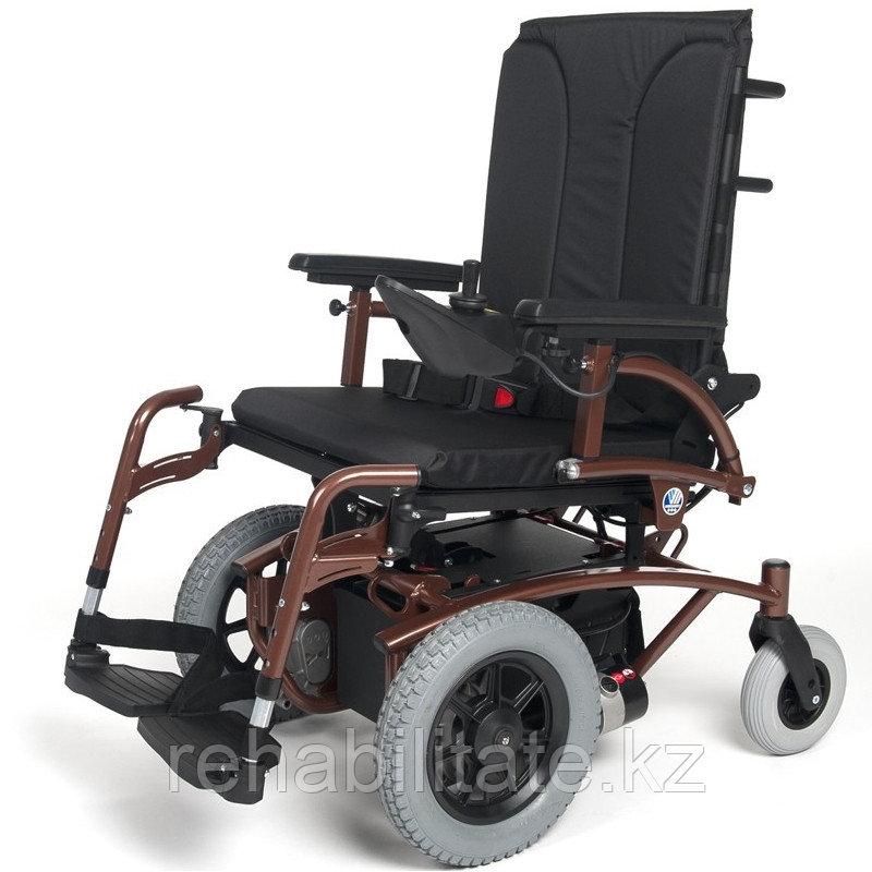 Кресло-коляска с электроприводом Vermeiren Navix Lift