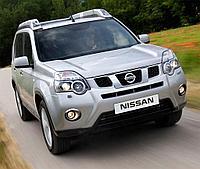 Переходные рамки на Nissan X-Trail 2012 для установки модулей Hella 3/3R