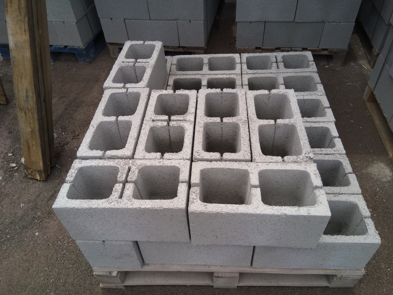 Сплитерный блок толстостенный 390х190х190 гладкий Серый