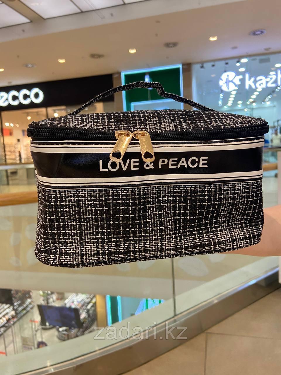 """Косметичка """"Love & peace"""""""