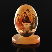 Икона овал на поставке с фоном'Святая троица', селенит