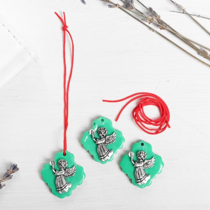 Набор талисманов на крас.нити 'Ангел со свечой' 3 шт., зеленый, серебро, 2,5 х 2,7 см. - фото 1