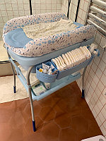 Пеленальный столик с ванночкой Chicco Cuddle-Bubble