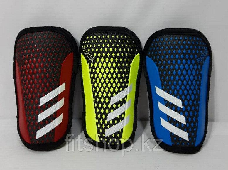 Щитки футбольные  подростковые Adidas Predator