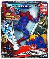 Фигурка Человека-Паука, ползающая по стене