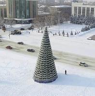 Искусственная ель 20 метров высотой | Усть-Каменогорск. 2018 год.