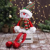 Мягкая игрушка 'Снеговик в новогоднем костюме - длинные ножки' 12х62 см