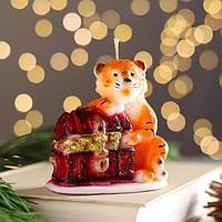 Свеча декоративная 'Тигр с сундуком денег', 9,5х9,5 см