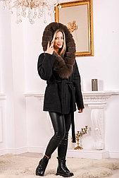 Модное женское пальто с меховым капюшоном
