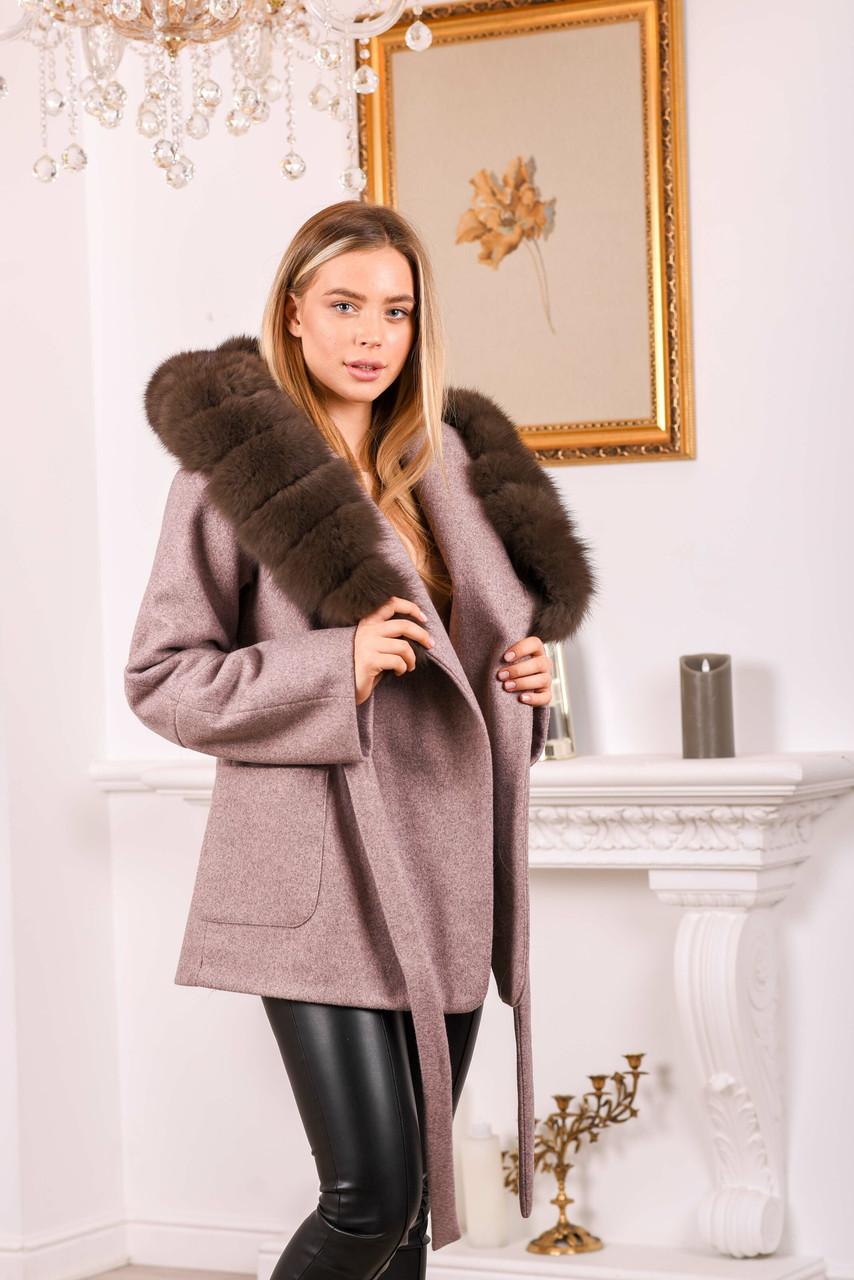 Пальто с капюшоном и мехом под соболь