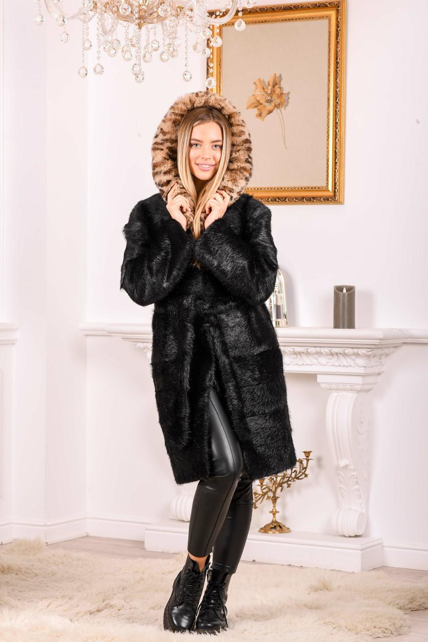 Женская шуба из натурального меха с леопардовым капюшоном