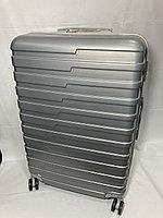 """Большой пластиковый дорожный чемодан на 4-х колесах""""Longstar"""". Высота 74 см, ширина 48 см, глубина 29 см., фото 1"""