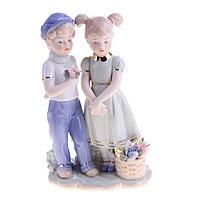 Сувенир керамика 'Детишки с корзиной цветов' 21х13х7 см