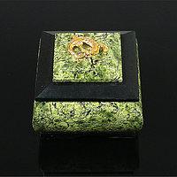 Шкатулка 'Уральская царица', 8х8х6,5 см, натуральный камень, змеевик