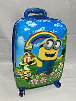 Детский чемодан  из пластика ,5-7 лет, на 4-х колесах .Высота 46 см, ширина 30 см, глубина 22 см,, фото 1