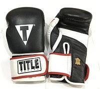 Боксерские перчатка TITLE кожа (цвет черно-белый) 12,14,16OZ