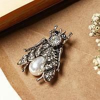 Магнит для платка 'Муха' жемчужная, цвет белый в чернёном серебре