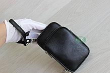 Мужская компактная барсетка HT со съёмным плечевым ремнем и ручкой.