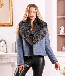 Пальто женское с капюшоном или воротником из натурального меха
