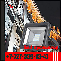 Пылевлагозащищенный LED светодиодный прожектор IP65.