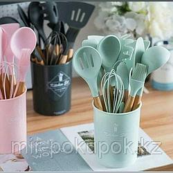 Набор кухонных принадлежностей из бамбука и силикона с подставкой 12в1