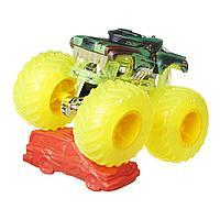 Hot Wheels: Monster Trucks. 1:64 HotWeiler