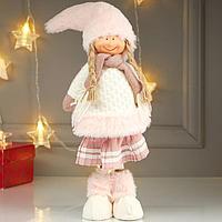 Кукла интерьерная 'Девочка в белой шубке и плиссированной розовой юбке' 44х9х15 см