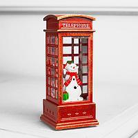 Фигура свет. 'Снеговик в красной телефонной будке' 12х5х5 см, 1 LED, блестки, Т/БЕЛЫЙ
