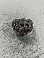 """Кольцо """"сердце"""" с гранатом / 18 размер"""