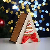 """Коробка деревянная, 14.5×13.5×6.5 см """"Новогодняя. Треугольник и ёлка"""", подарочная упаковка"""