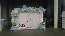 Оформление шарами пресс стен