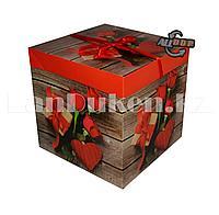 Подарочная новогодняя упаковка 15*15 см (средняя) Букет роз и подарок