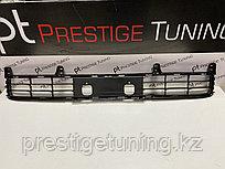 Решетка в бампер на Land Cruiser 200 2012-15