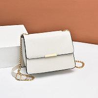 Малелькая женская сумка Gentle envelope с цепочкой
