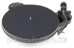 PRO-JECT Проигрыватель пластинок RPM1 Carbon 2M Red ЧЕРНЫЙ ЛАК EAN:9120050435285