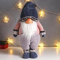 Кукла интерьерная 'Дед Мороз в сиреневом комбинезоне и синем вязаном колпаке' 63х16х23 см