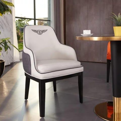 Кожанные стулья