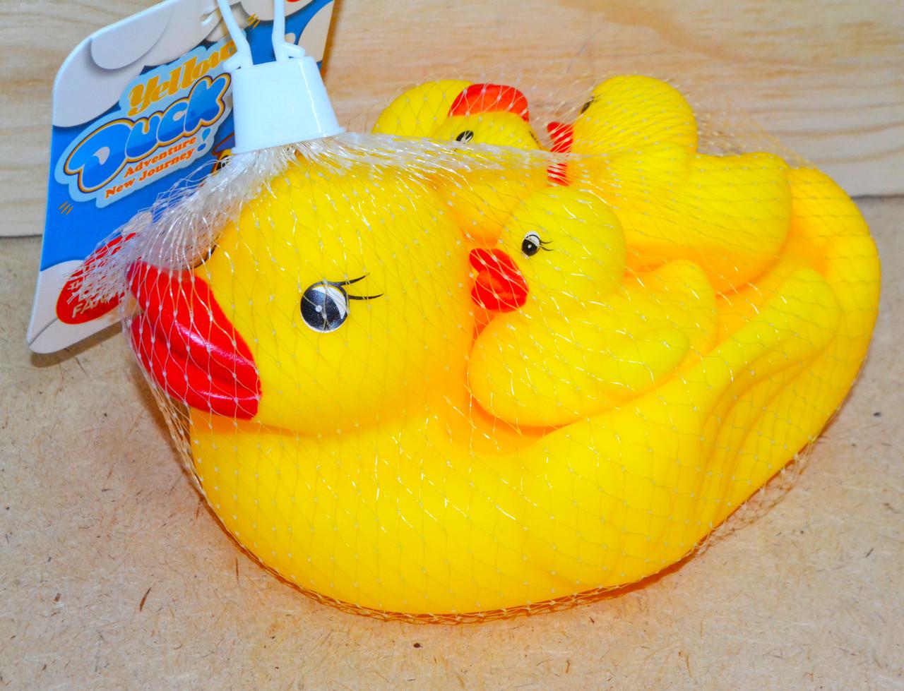 1284W Утка и 3 утенка пищалка для ванны 15*12см