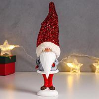 Сувенир полистоун 'Дедушка Мороз в синей шубе, колпак с мишурой' 21х5,8х4 см
