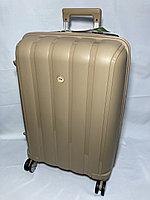 """Средний пластиковый дорожный чемодан на 4-х колесах"""" Fast Step"""". Высота 66 см, ширина 42 см, глубина 26 см., фото 1"""